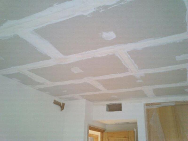 Obras de divisi n de interiores con pladur y cart n yeso - Como colocar pladur en techo ...